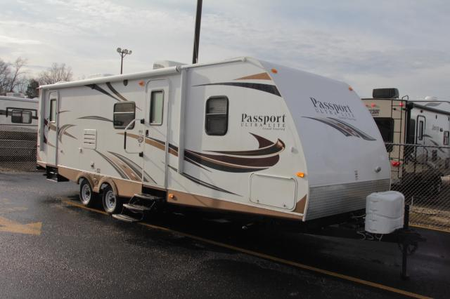 2014 KEYSTONE PASSPORT ULTRA LITE 2810BH